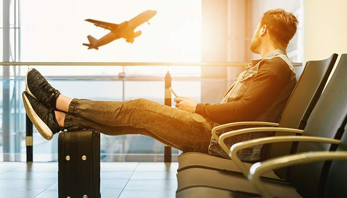 How to deal with flight delays